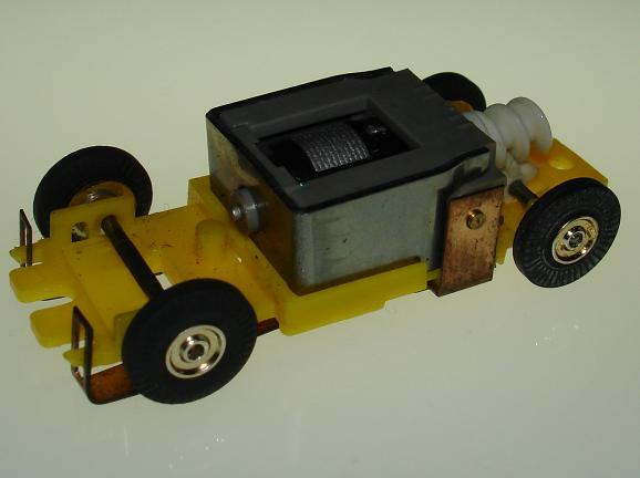 Atlas HO Scale Yellow Version I Chassis Motor View