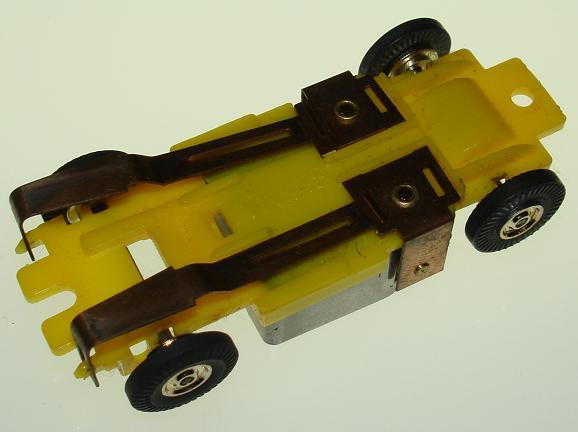 Atlas HO Scale Yellow Version I Chassis Pickup Shoes View
